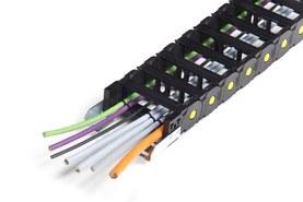 Nylonový řetěz s nastřihanými kabely