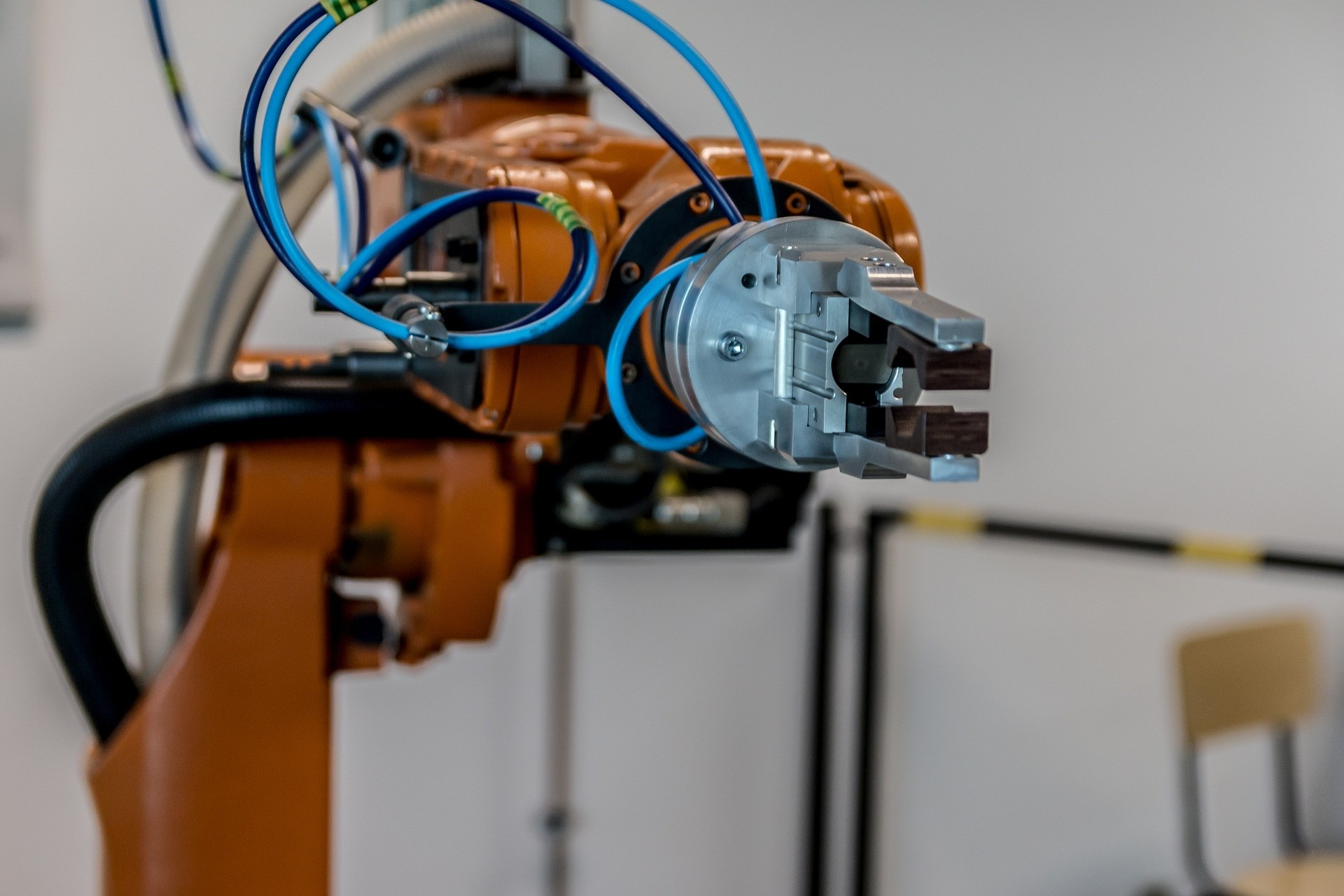 robot-2791671 1920