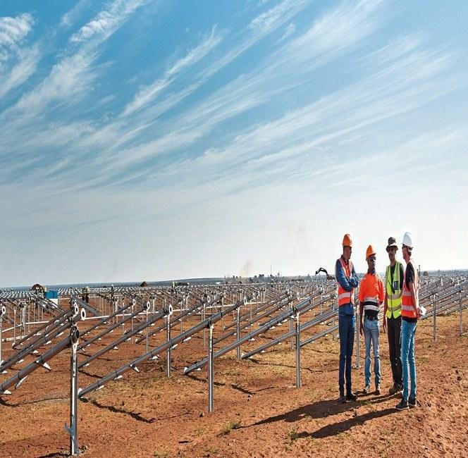 Výstavba solárního parku 400 km západně od Johannesburgu