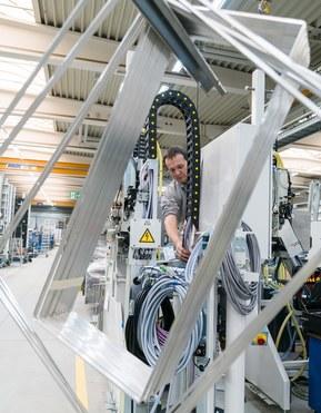 Výroba izolačních skelných desek v Bystronic Glass