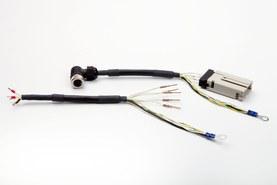 Kabel s nalisovanými kontakty, tepelně smrštitelnou hadicí a kulatým konektorem