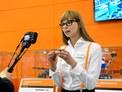 Produktová manažerka Pavla Polková prezentuje jednu z aktuálních produktových novinek - nerezové šroubení SILVYN® HYGIENIC.