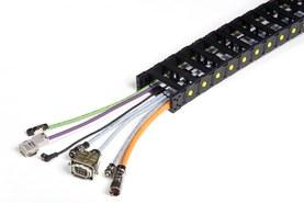 Nylonový řetěz s osazenými kabely