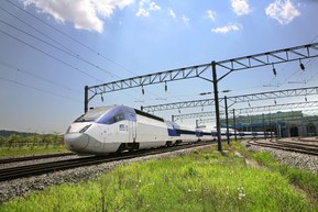 Korea Train eXpress (KTX) poate atinge pana la 300 km/h.