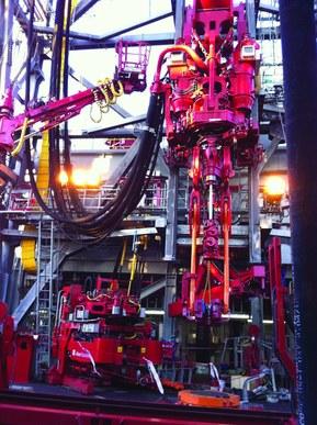 При использовании на буровом оборудовании, например, принадлежащем Aker Solutions, антистатические кабели могут  уменьшить риск, вызванный взрывоопасными средами.