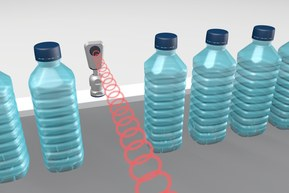 The pms ultrasonic sensor detects glass and PET bottles in scanning mode and stands up to the cleaning intervals of a bottle-filling system with the SKINTOP® HYGIENIC cable gland.
