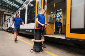 LAPP supplies to manufacturer of railway vehicles for the LEO Express LINT project