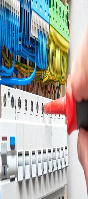 Kabel och komponenter för apparatskåp och elcentral