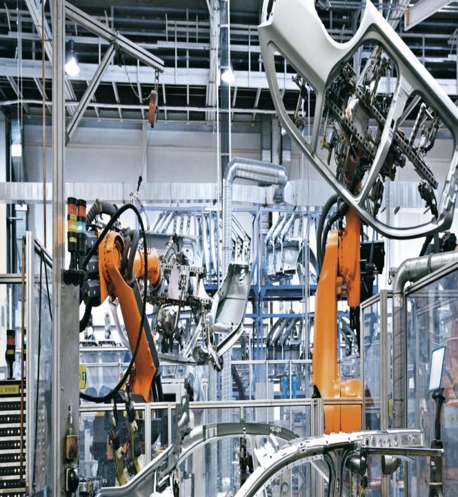 Robotintegration i bilindustrien - kontakt os for mere info
