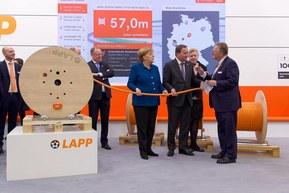 Андреас Лапп демонстрирует Smart Cable Drum на Hannover Messe 2019